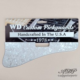 Pickguard style Gibson...